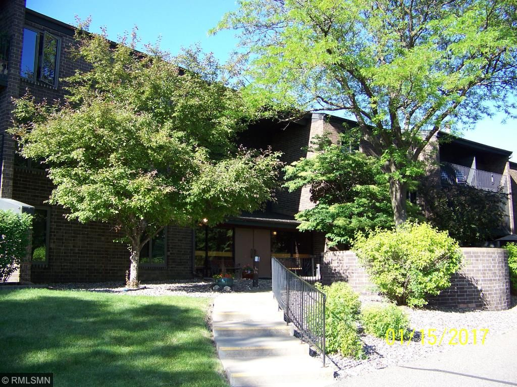 New Listings property for sale at 5120 W 102nd Street 211, Bloomington Minnesota 55437