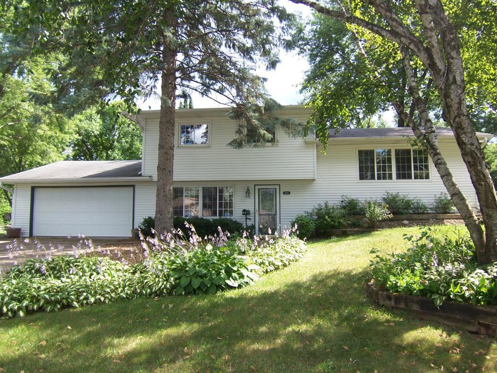 3280 68th Court E, Inver Grove Heights, Minnesota