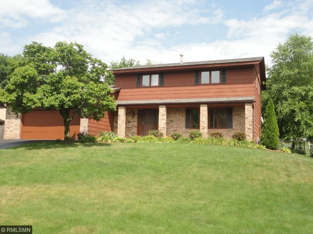 12825 Apple View Lane, Burnsville, Minnesota