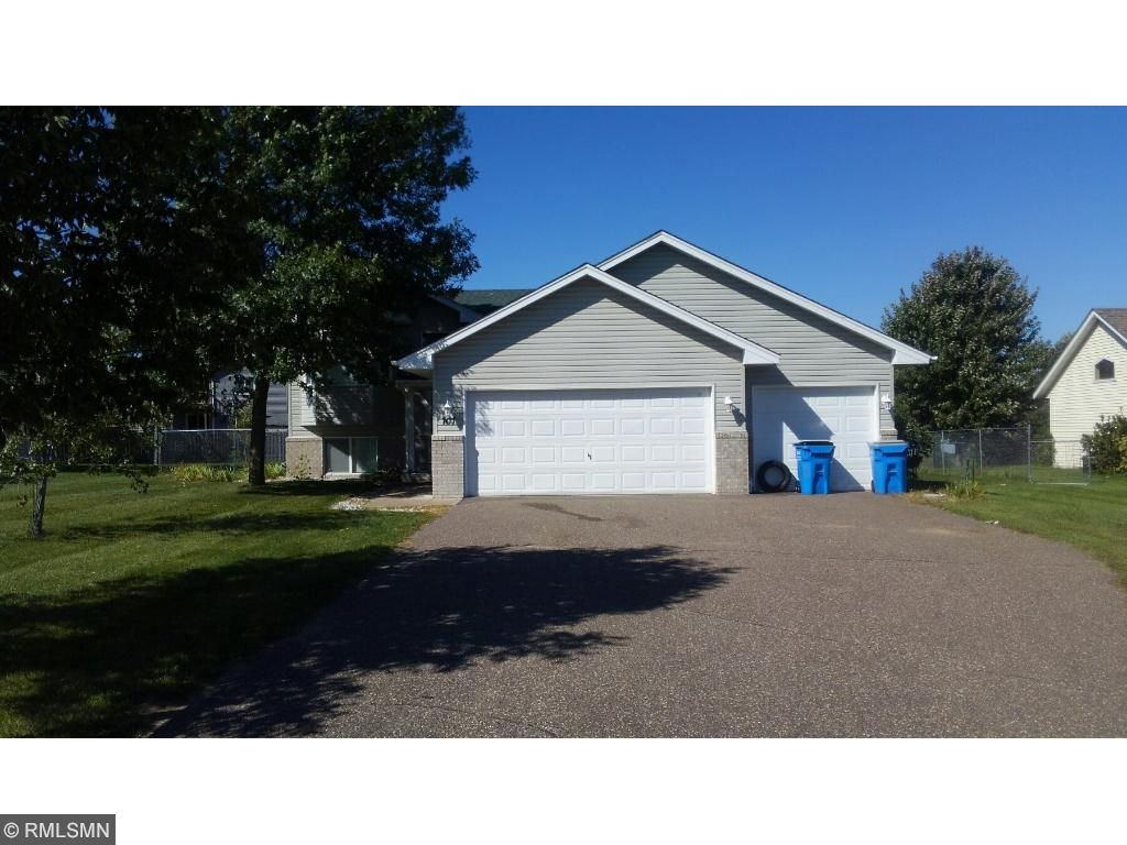 Photo of 707 11th Avenue SW  Isanti  MN