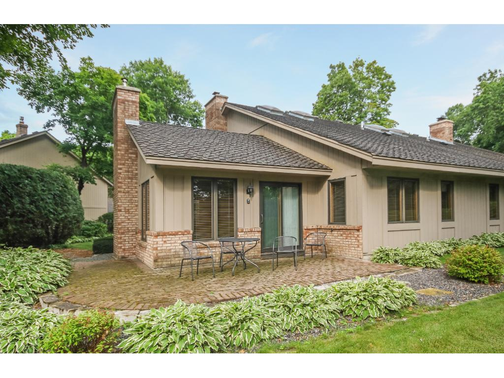 Photo of 1107 Hollybrook Drive  Wayzata  MN