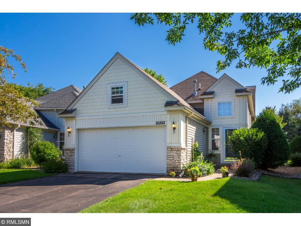Photo of 10202 Country Club Curve  Woodbury  MN