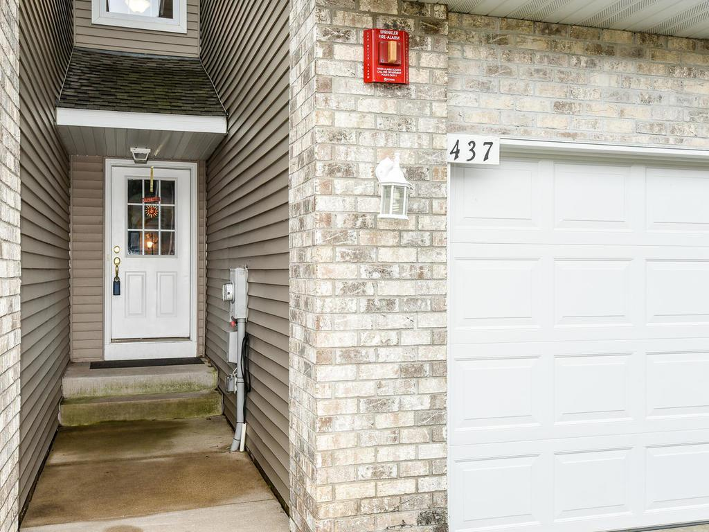 437 Pleasant Lane, Chaska in Carver County, MN 55318 Home for Sale