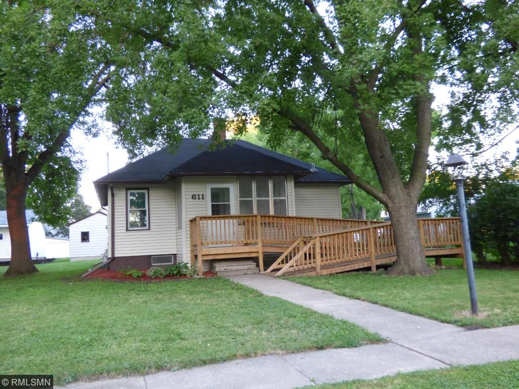 Photo of 611 7th Street SE  Waseca  MN