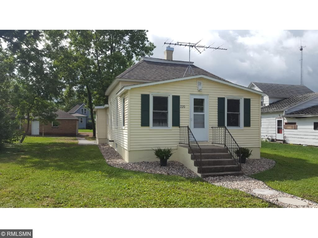 Photo of 220 S Waterville Avenue  Le Center  MN