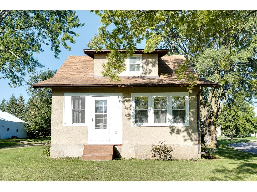 Photo of 310 Excelsior Avenue S  Annandale  MN
