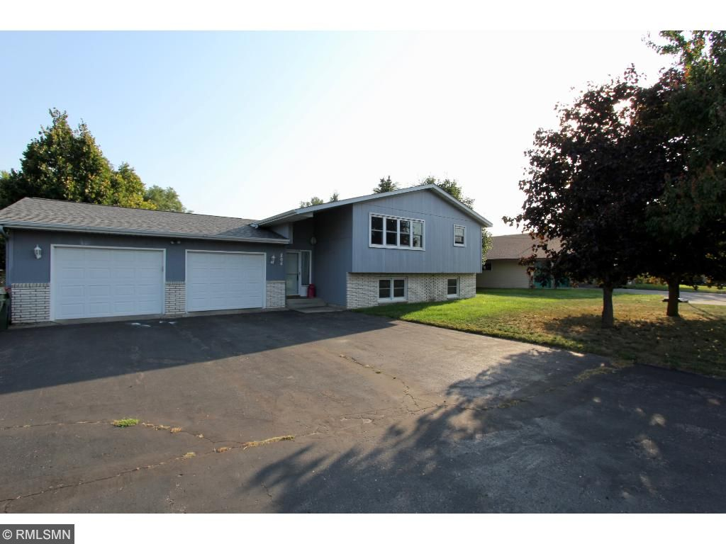 Photo of 804 Golf Course Road  Monticello  MN
