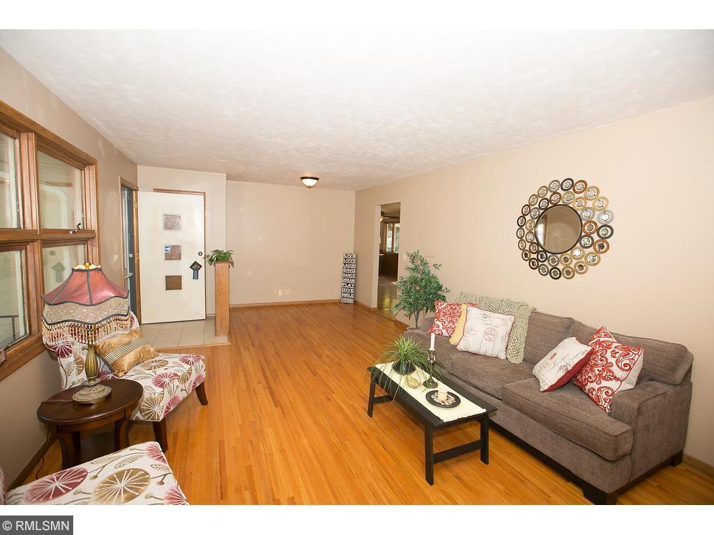 6417 38th Avenue N Crystal, MN 55427