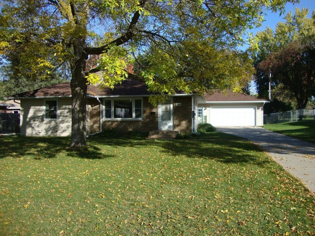 Photo of 306 Portland Place  Bloomington  MN
