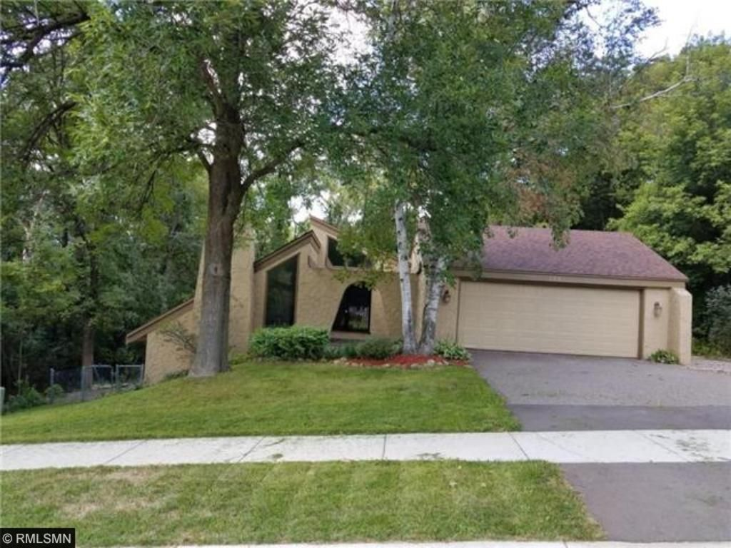 175 Chaparral Drive Apple Valley, MN 55124
