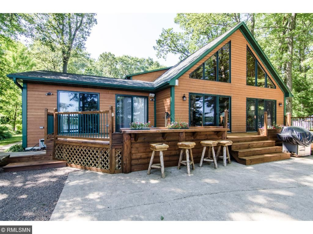 at cabins ows near wisconsin in lake chelsey mallard sentinel photos sale startribune bay traveler xl milwaukee canoe these journal houses by for midwest big village alongside home tiny is s lewis escape model are a perched com small