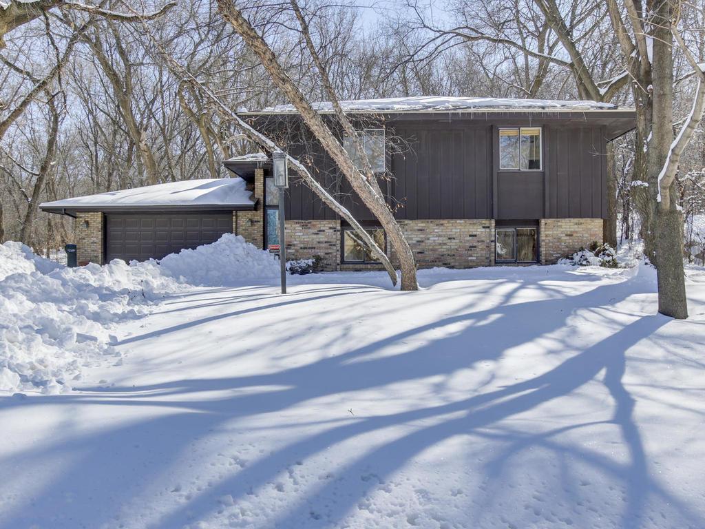 629 Thoreau Drive, Burnsville, Minnesota