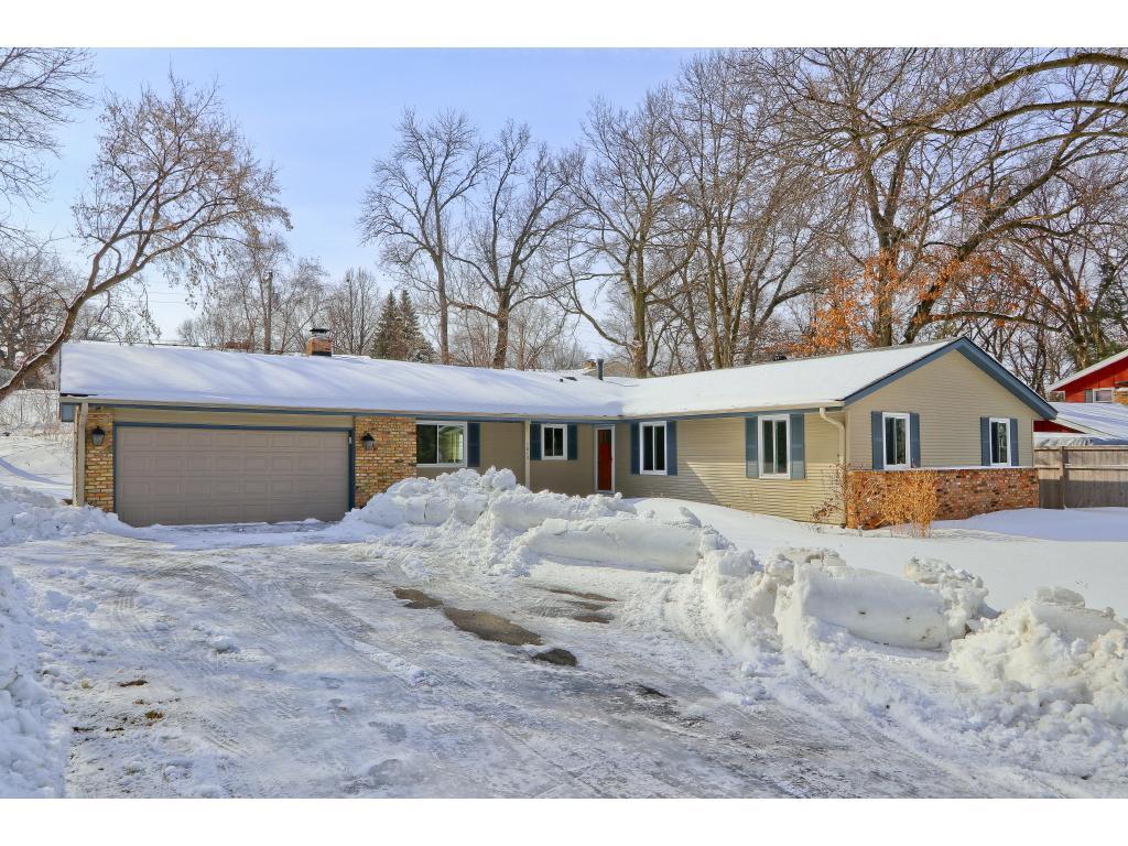 1013 Lacota Lane, Burnsville, Minnesota