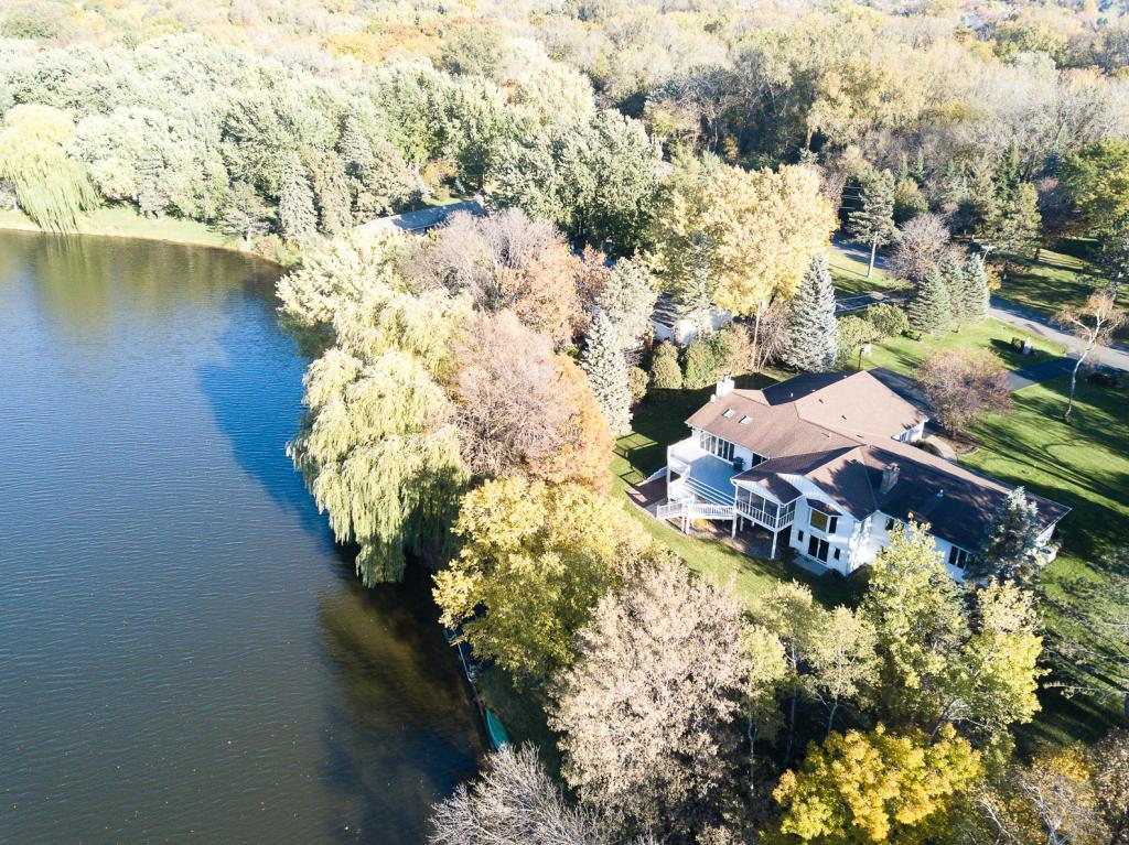 11 E Gilfillan Road North Oaks, MN 55127
