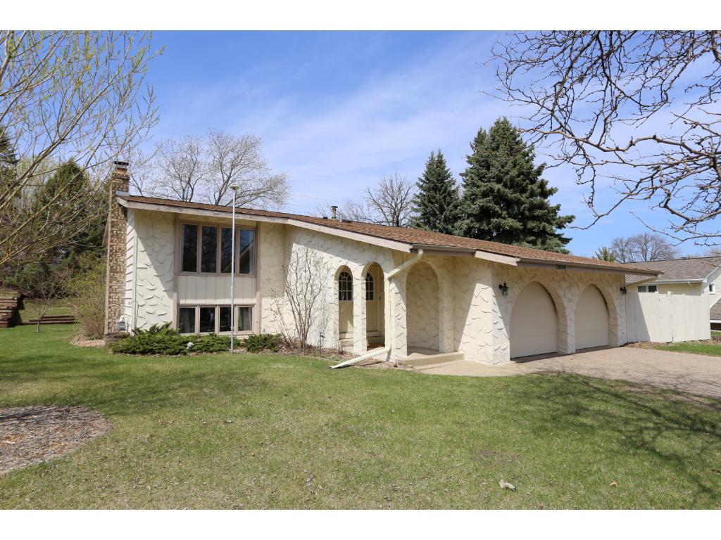 13604 Wellington Crescent, Burnsville, Minnesota