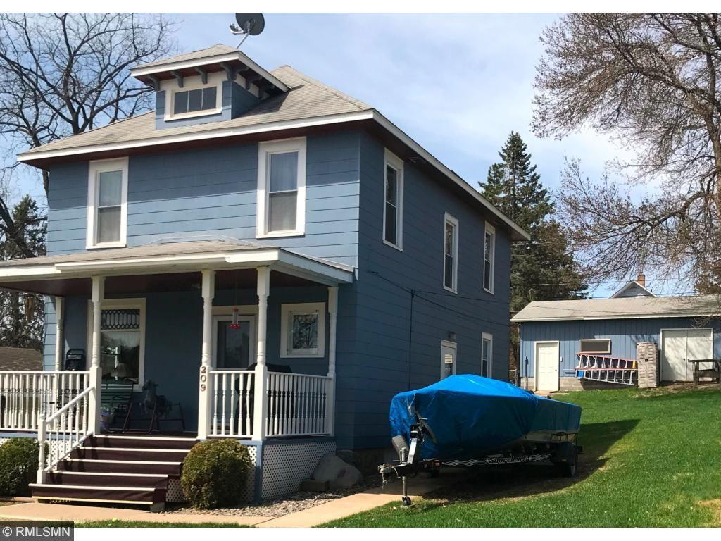 209 Gayley Avenue Coleraine, MN 55722