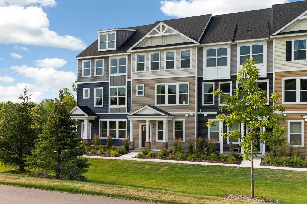 585 Satori Way, Chaska, Minnesota
