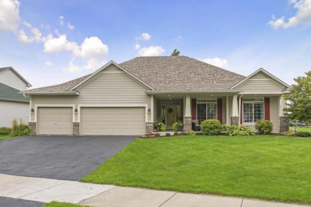 1472 Sophia Drive, Chaska, Minnesota