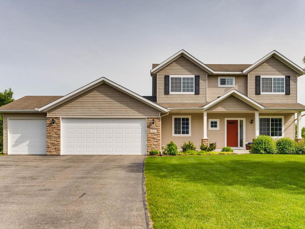 417 Amberg Lane, Chaska, Minnesota