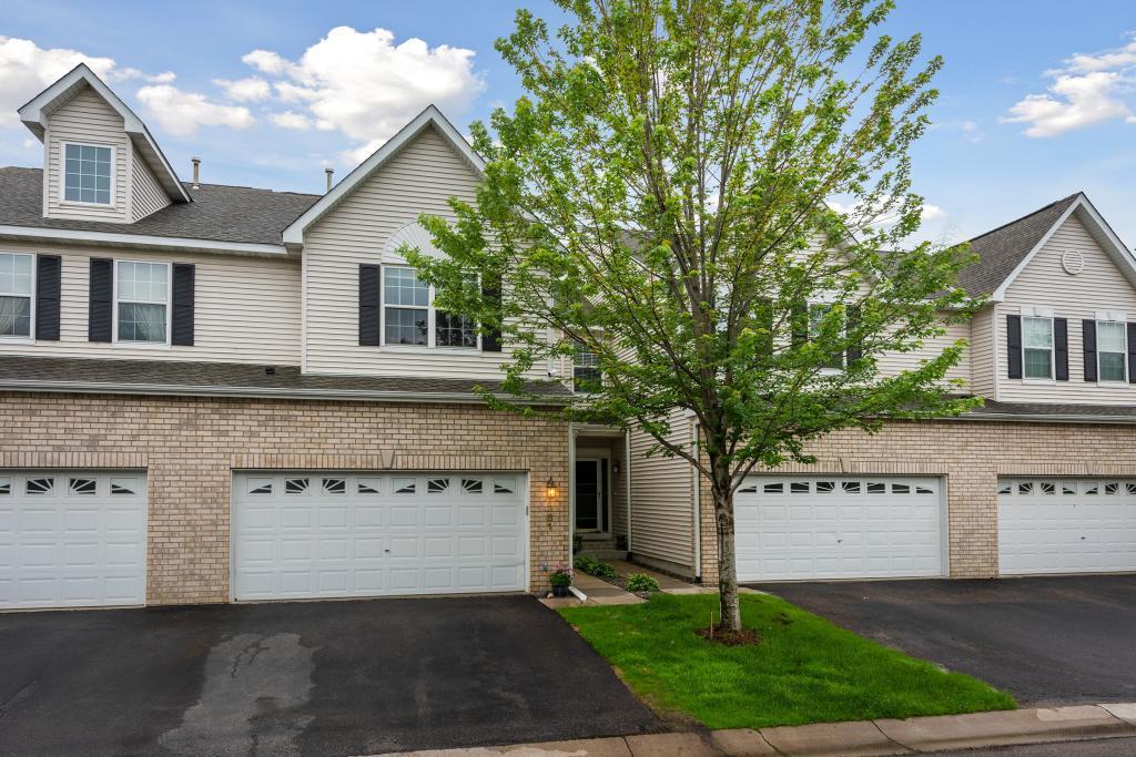 1381 White Oak Drive, Chaska, Minnesota