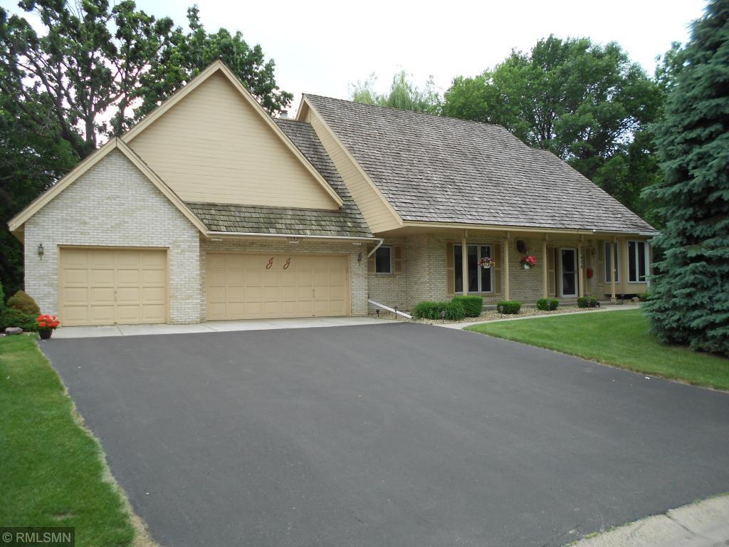 13450 Guild Avenue, Apple Valley, Minnesota