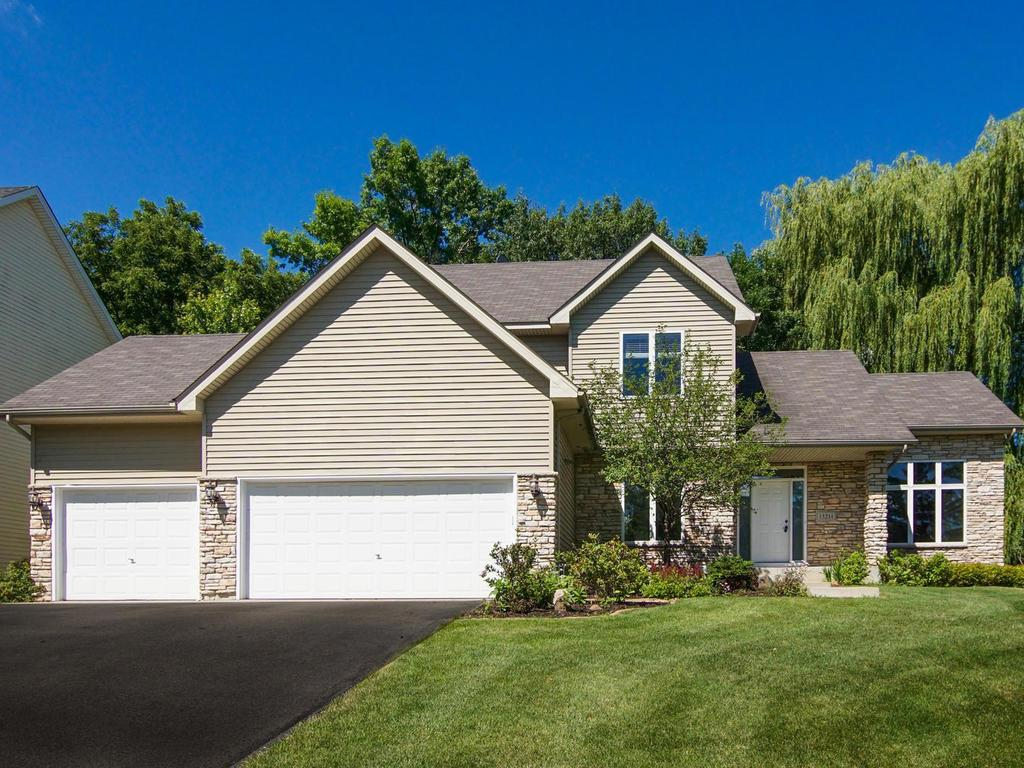 13211 Grand Oak Court, Apple Valley, Minnesota