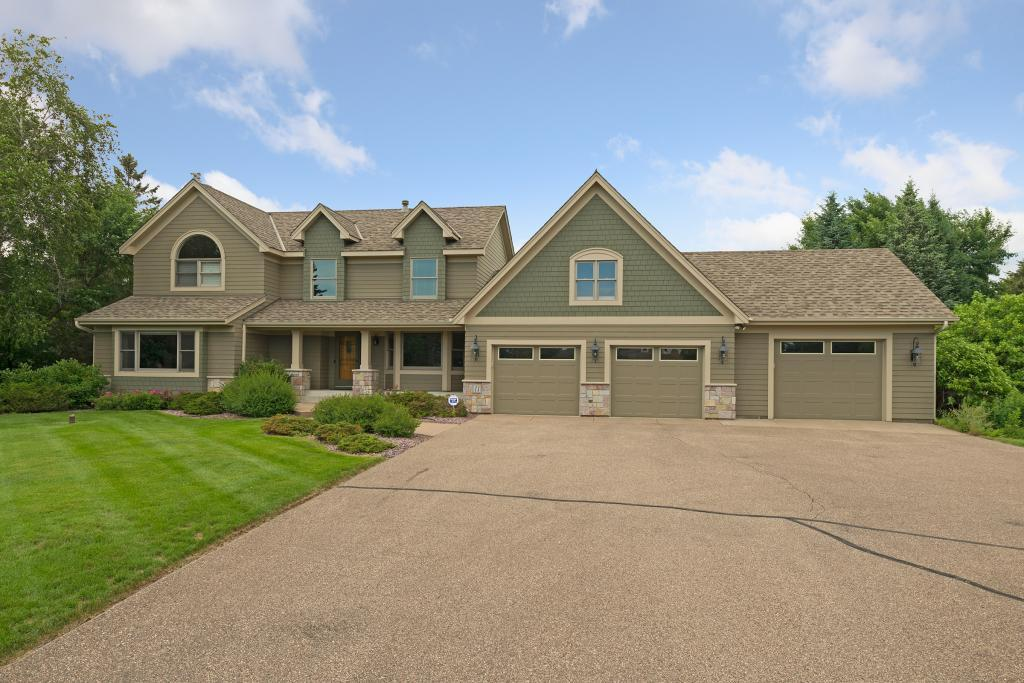 11 Donbush Road North Oaks, MN 55127