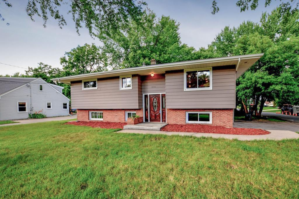 1415 County Road E W Arden Hills, MN 55112