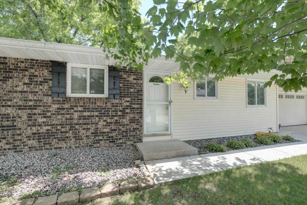 13972 Everest Avenue, Apple Valley in Dakota County, MN 55124 Home for Sale