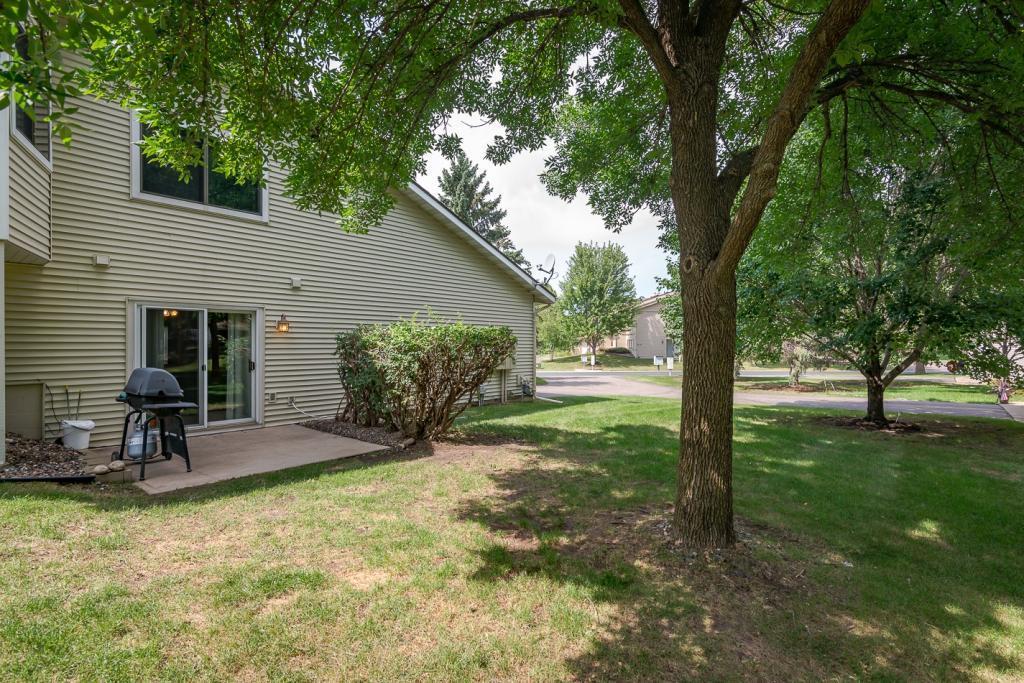 14875 Endicott Way 9, Apple Valley in Dakota County, MN 55124 Home for Sale