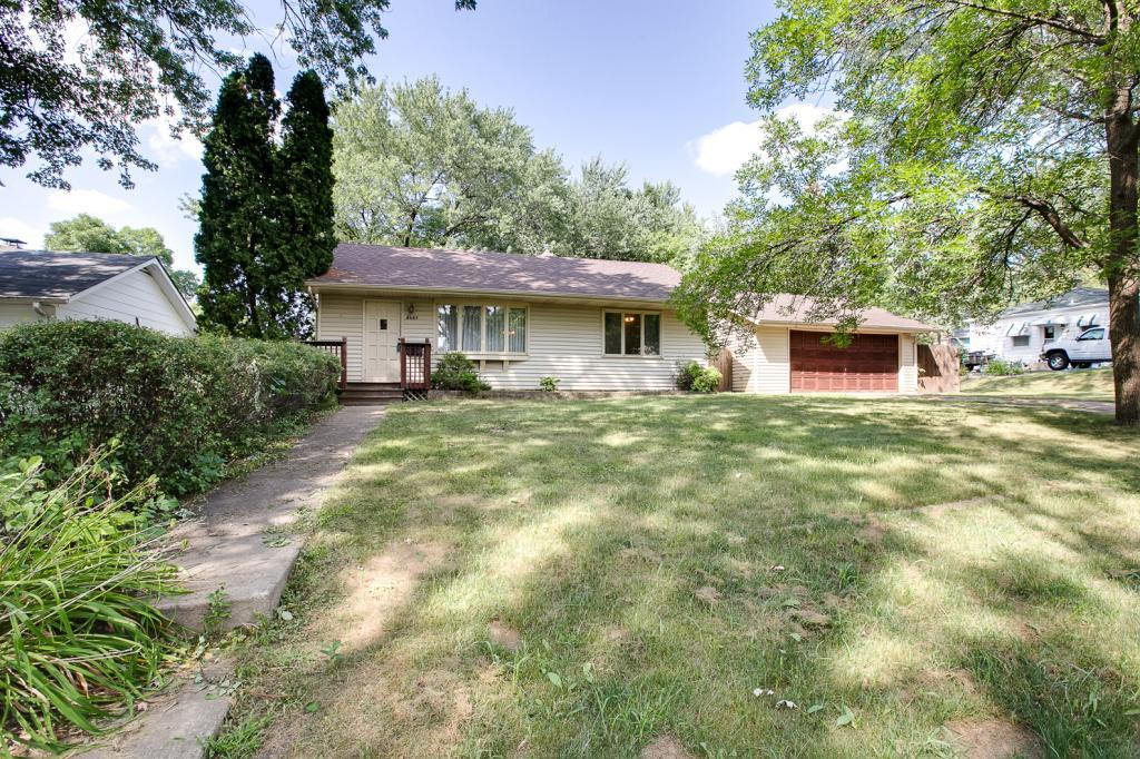 2027 Northwood Drive North Saint Paul, MN 55109