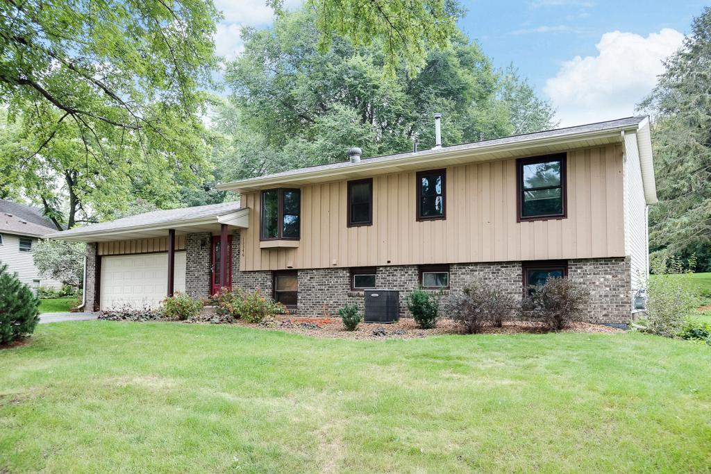 13346 Foliage Avenue, Apple Valley in Dakota County, MN 55124 Home for Sale