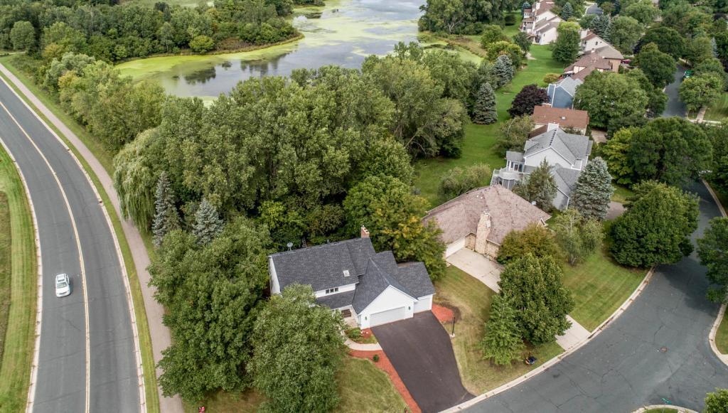 647 Pond View Drive Mendota Heights, MN 55120