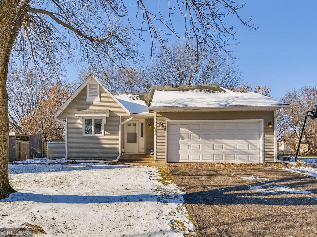 7983 Hallmark Way, Apple Valley in Dakota County, MN 55124 Home for Sale