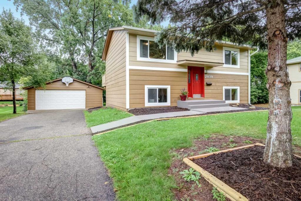 2839 Salem Avenue, Linden Hills, Minnesota