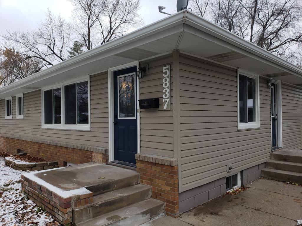 5837 Admiral Lane N, Brooklyn Center, Minnesota