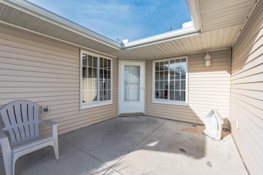 10105 Karston Cove Ne Albertville, MN 55301