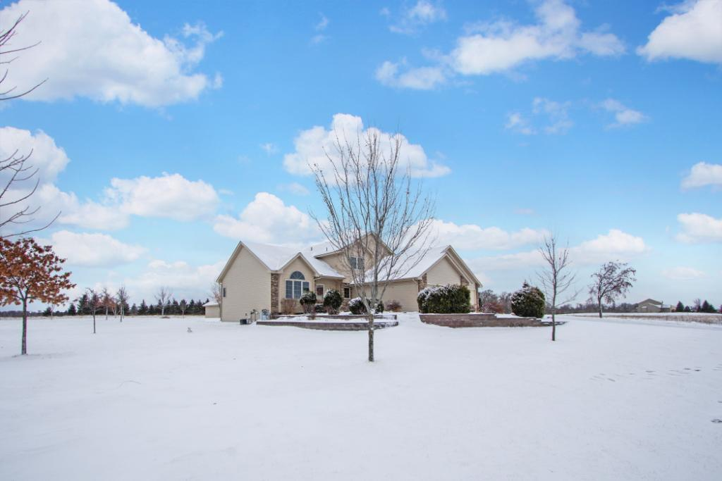 1750 242nd Avenue Nw Saint Francis, MN 55070
