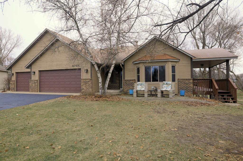 4795 138th Street W, Apple Valley, Minnesota