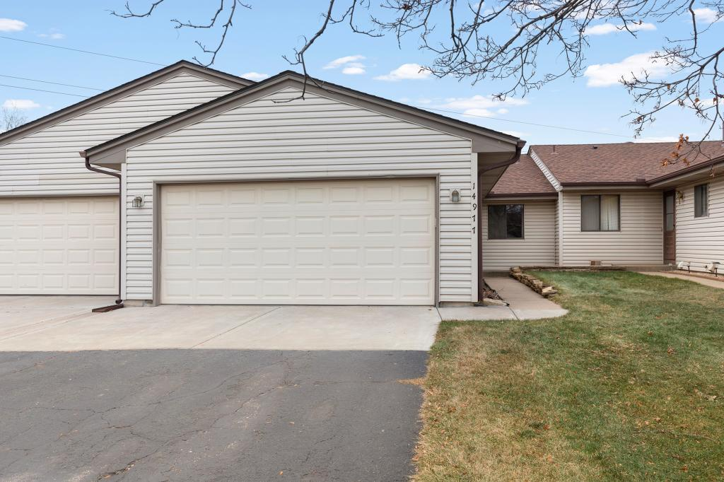 14977 Echo Way, Apple Valley in Dakota County, MN 55124 Home for Sale