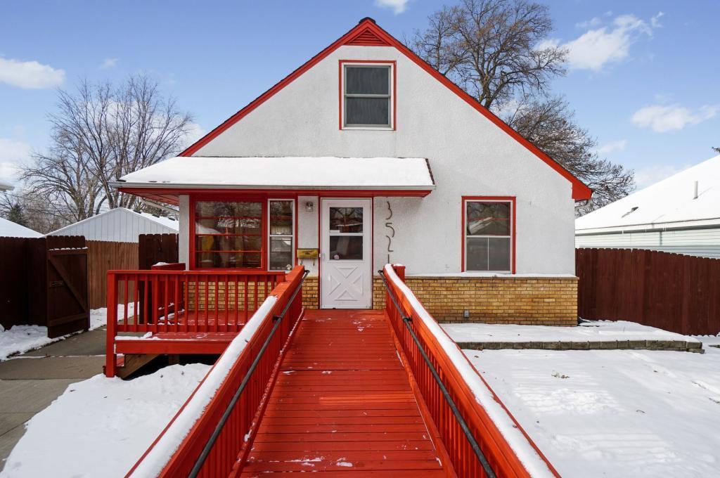 3521 Lee Avenue N, Crystal, Minnesota