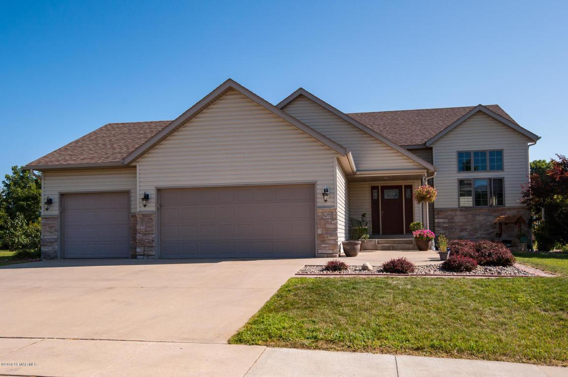 5071 Manor Brook Drive Nw Rochester, MN 55901