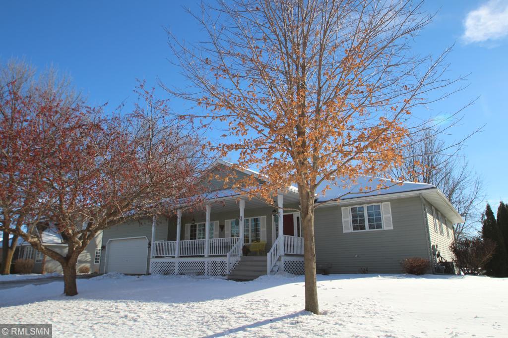 585 Cedar Circle Annandale, MN 55302