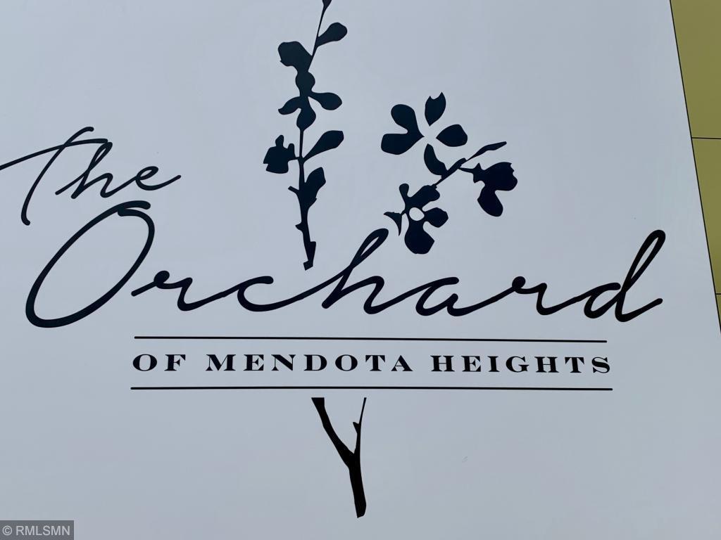 1852 Orchard Heights Lane Mendota Heights, MN 55118
