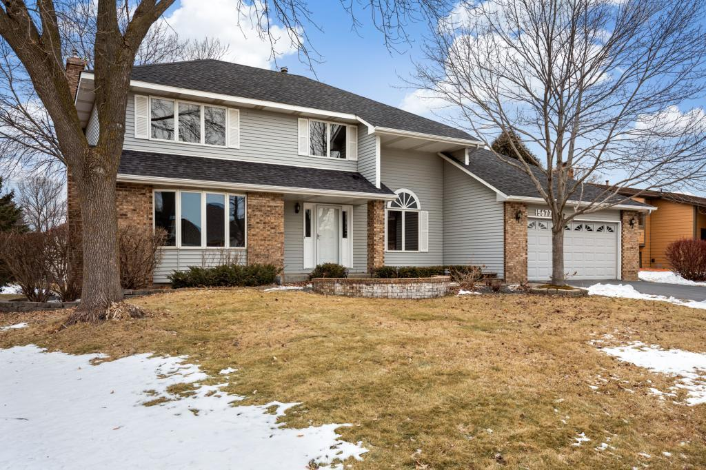 15677 Highview Drive Apple Valley, MN 55124
