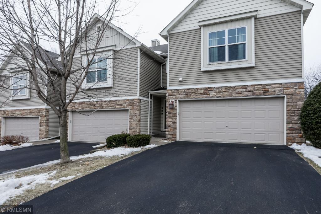 559 Stonewood Lane Burnsville, MN 55306