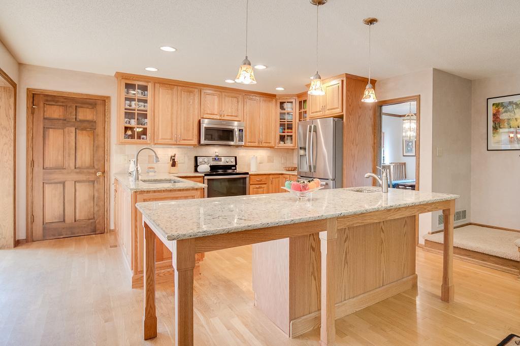 790 Evergreen Knolls Mendota Heights, MN 55118
