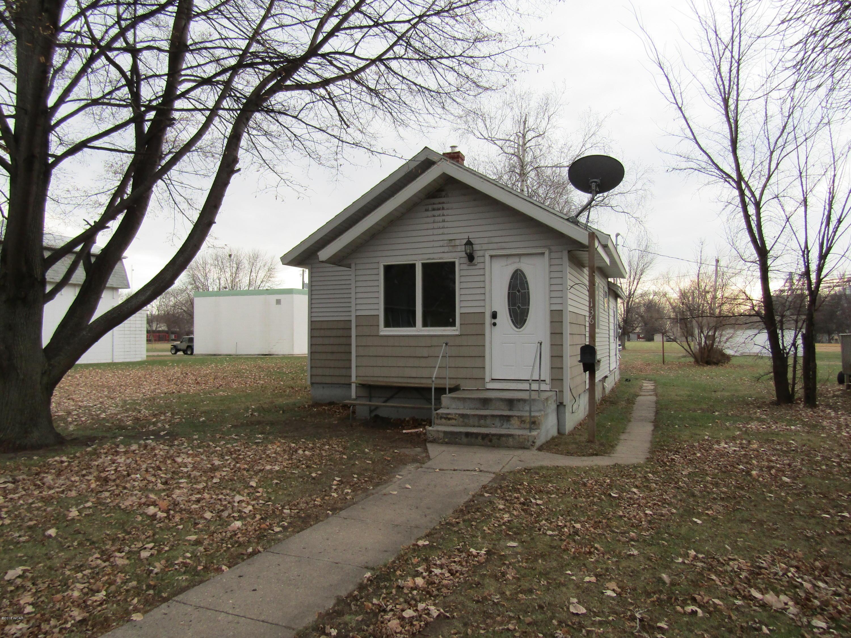 136 E Ronning Avenue Appleton, MN 56208
