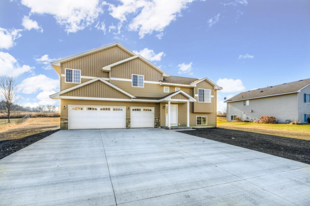 913 Sunrise Lane, Belle Plaine, Minnesota 4 Bedroom as one of Homes & Land Real Estate