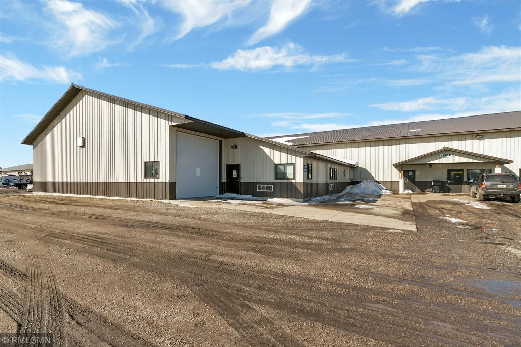 primary photo for 1162 Highway 7 E, Hutchinson Twp, MN 55350, US